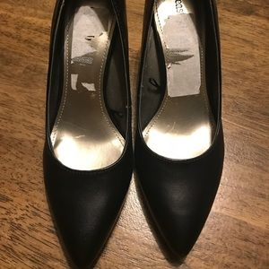 "East 5Th Dorit Pump 3"" Heel Size 7"